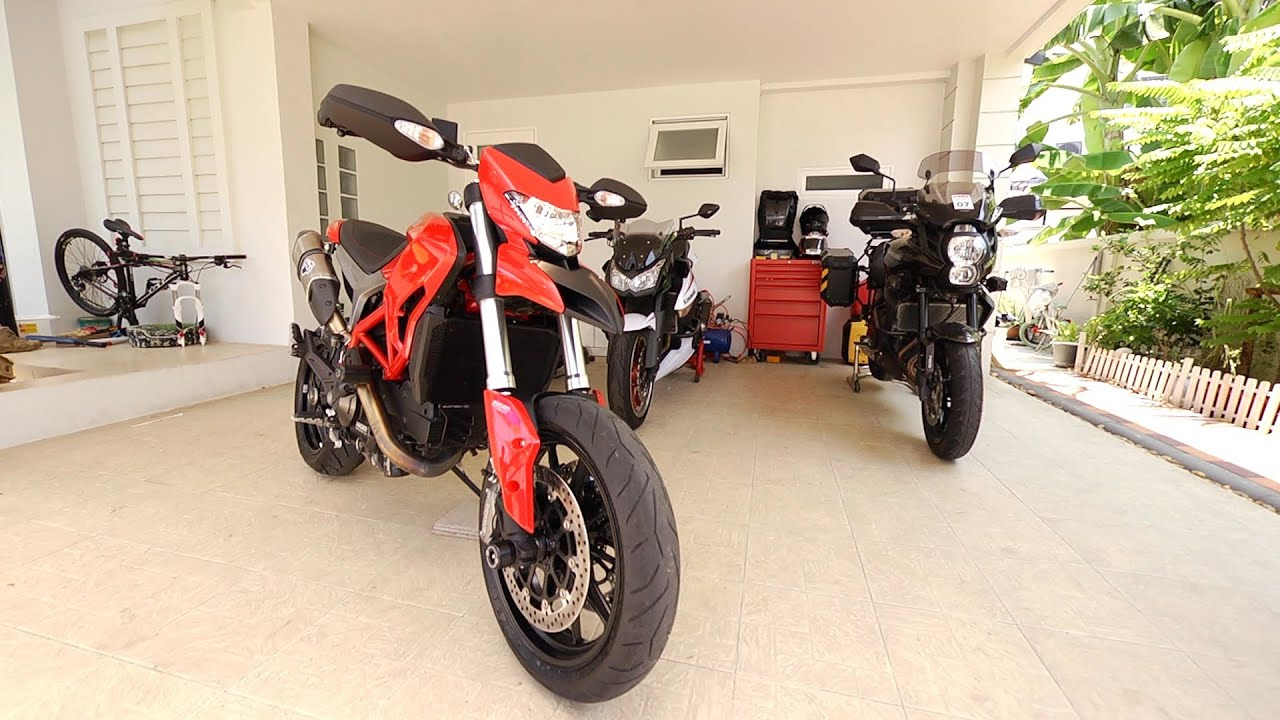 ducath hypermotard 821 with full termignoni exhaust sound. Black Bedroom Furniture Sets. Home Design Ideas