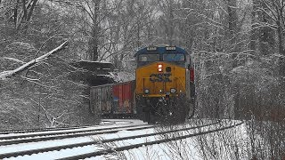 CSX Mixed Freight Train Heads Thru Relay In The Snow ❄