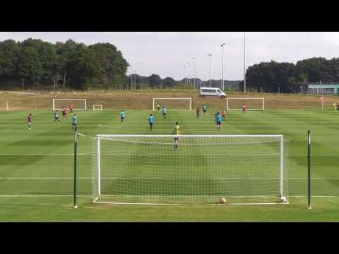 UEFA A LICENCE PART 2 - Passing options of a no4 in a 4-3-3