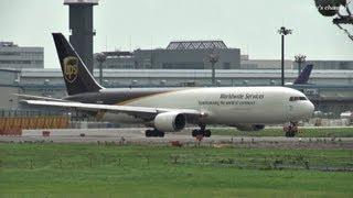 United Parcel Service (UPS) Boeing 767-300F(ER) N329UP 成田国際空港 離陸 2012.7.15
