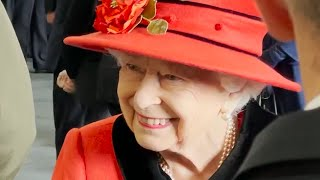 video: Queen relishes return to full-time duties