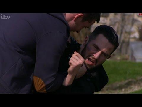 Emmerdale - Pete Threatens Ross