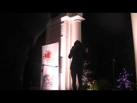 Tarini Ullal performing @ XMAS KARAOKE - Blaney Plaza, Saratoga