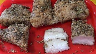 Сало в луковой шелухе с чесноком