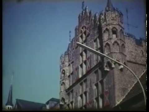 Dorit und Gerlind bummeln durch Goch (1967)