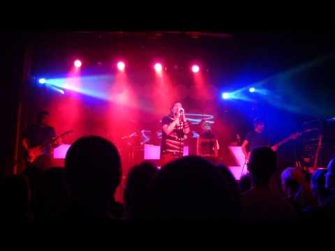 Rea Garvey - Hole in my heart [Live @ Szene, Vienna 18.10.2011]