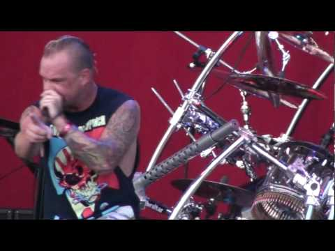 five-finger-death-punch:-needs-security-back-up-@heavy-montreal-2010