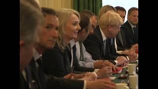 英国新任首相鲍里斯·约翰逊主持首次内阁会议