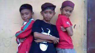 Boyband Ubur Ubur / Trio Ubur Ubur - Munaroh ' Prepet Prepet ' Parody by T3KK