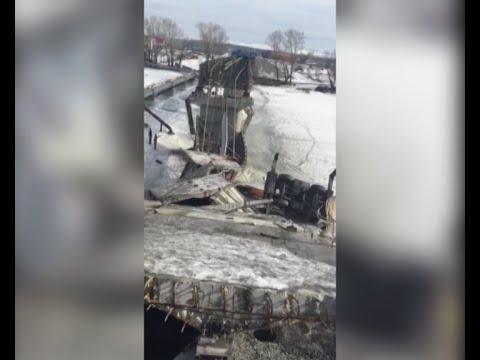 В Минусинске упал мост