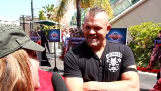 chuck ladell interview on transformers red carpet with bruna rubio