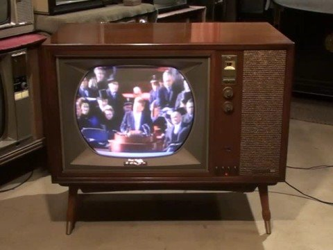 Watch a 1961 RCA Victor COLOR Television CTC11!