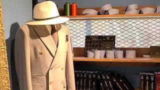 단벌신사로 살아가는 양복쟁이 넥타이에 흰 와이셔츠하나면…