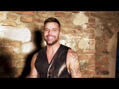 "Behind the Scenes of ""Fiebre"" Ricky Martin"