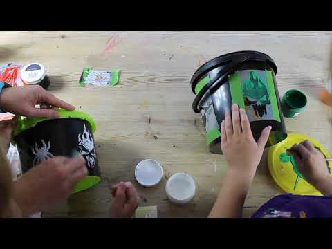 Applying Thorndown Peelable Glass Paint with sponges on stencils