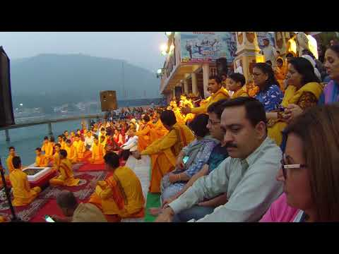 complete evening HOLY RIVER GANGA AARTI ceremony Rishikesh INDIA ON THE BANK OF RIVER