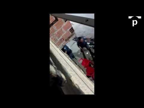 PM é flagrado usando skate para bater em mãe e filho. Veja vídeo