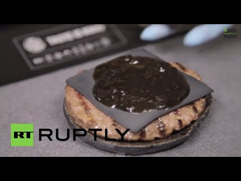 Japan: Anyone for a BLACK cheese burger?