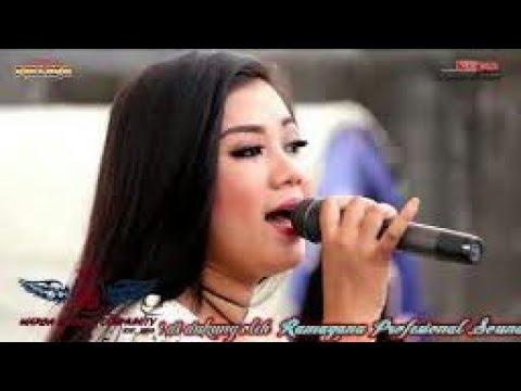 MOVE ON ~AYU ARSITA~New Pallapa Live SORENGTerbaru 2017