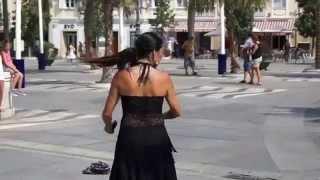 Танец Фламенко на площади в Кадисе, Испания.
