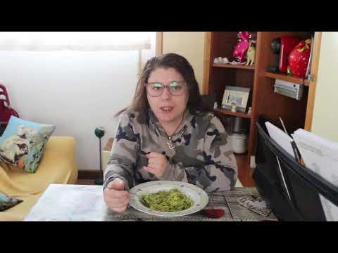 Mukbang pasta al pesto e chiacchere
