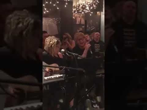'Thinking Out Loud' Amy Wadge and Ed Sheeran @ The Bluebird Cafe Nashville 9/10/18