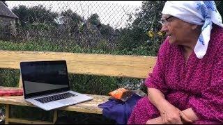 Макс Корж показал свой клип лунинецким бабушкам