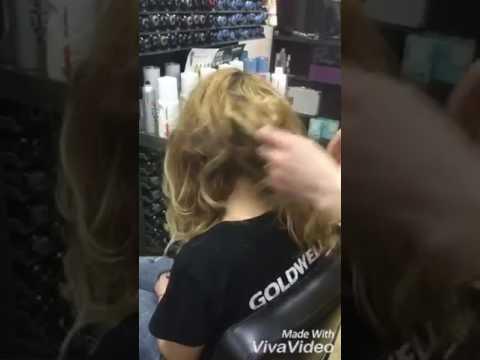 Окрашивайте волосы у специалистов, чтобы потом не было грустно .
