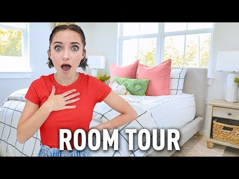 Bailey's NEW College ROOM TOUR! | Zippered Bedding, Decor & MORE!