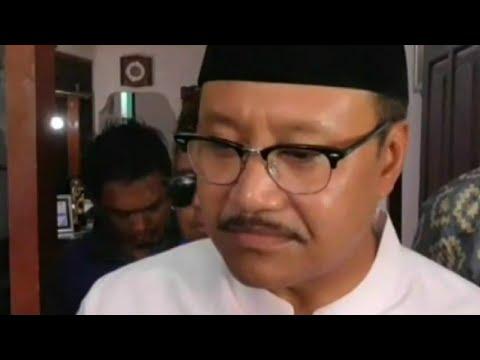 Gus Ipul Jenguk Penyanyi Dangdut Senior Ida Laila