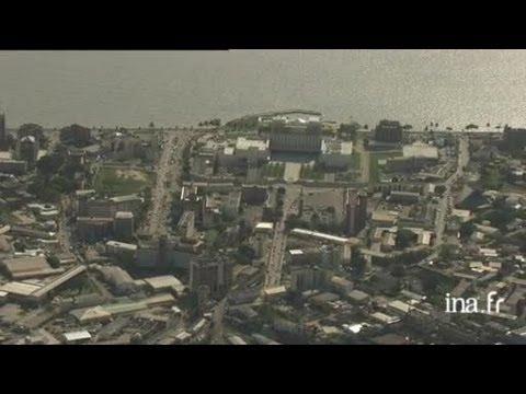 Gabon, Libreville : survol de la ville