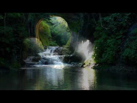 亀岩の洞窟・濃溝の滝. 2016年9月by miyacame