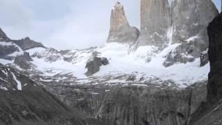 チリ、パイネ国立公園 トーレスデルパイネ