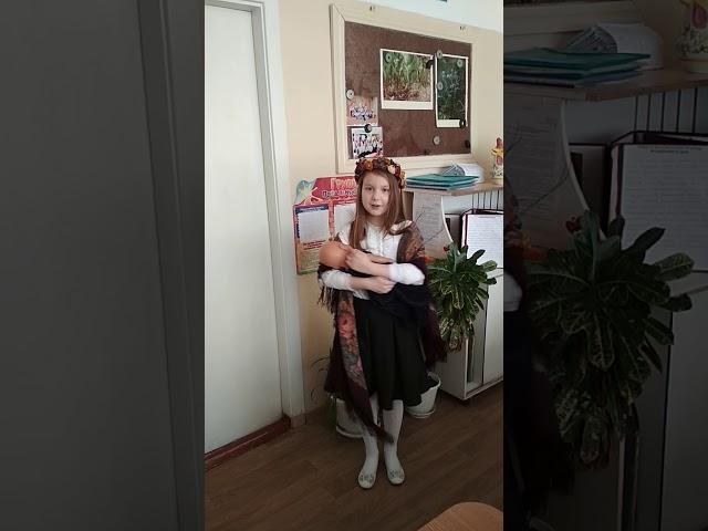 Изображение предпросмотра прочтения – МартаСеров читает отрывок изпроизведения «Баю-баюшки-баю» (Русский фольклор )