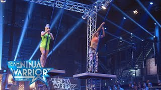 "Team Ninja Warrior Germany | 1. STAFFELDUELL - Team ""Leggings Crew"" vs. Team ""Gravity"""