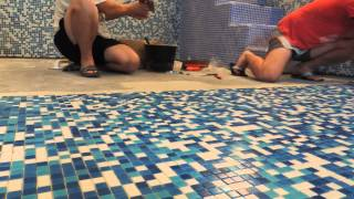 видео Отделка бассейна плиткой