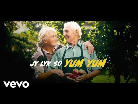 Juanita Du Plessis – Yum Yum (Lyric Video)