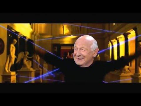 Dieter Kronzucker does the Laserdance - Oceans Twelve