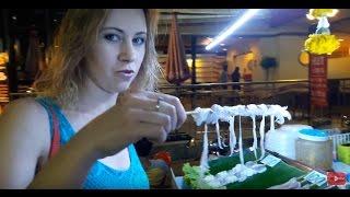 Уличная еда в Таиланде. Таиланд, Паттайя, кальмары, насекомые