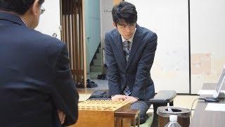 将棋の藤井四段、脇八段との対局始まる