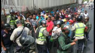 Colombian officials say 35 thousand Venezuelans have crossed the border into their country over 12 hours to shop for basic supplies. Venezuela is caught in the grip of an economic crisis that has caus