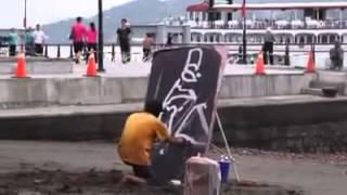 Artista de rua surpreende com pintura