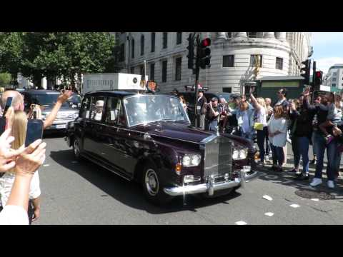 THE QUEEN AND DAVID CAMERON'S MOTORCADE IN LONDON