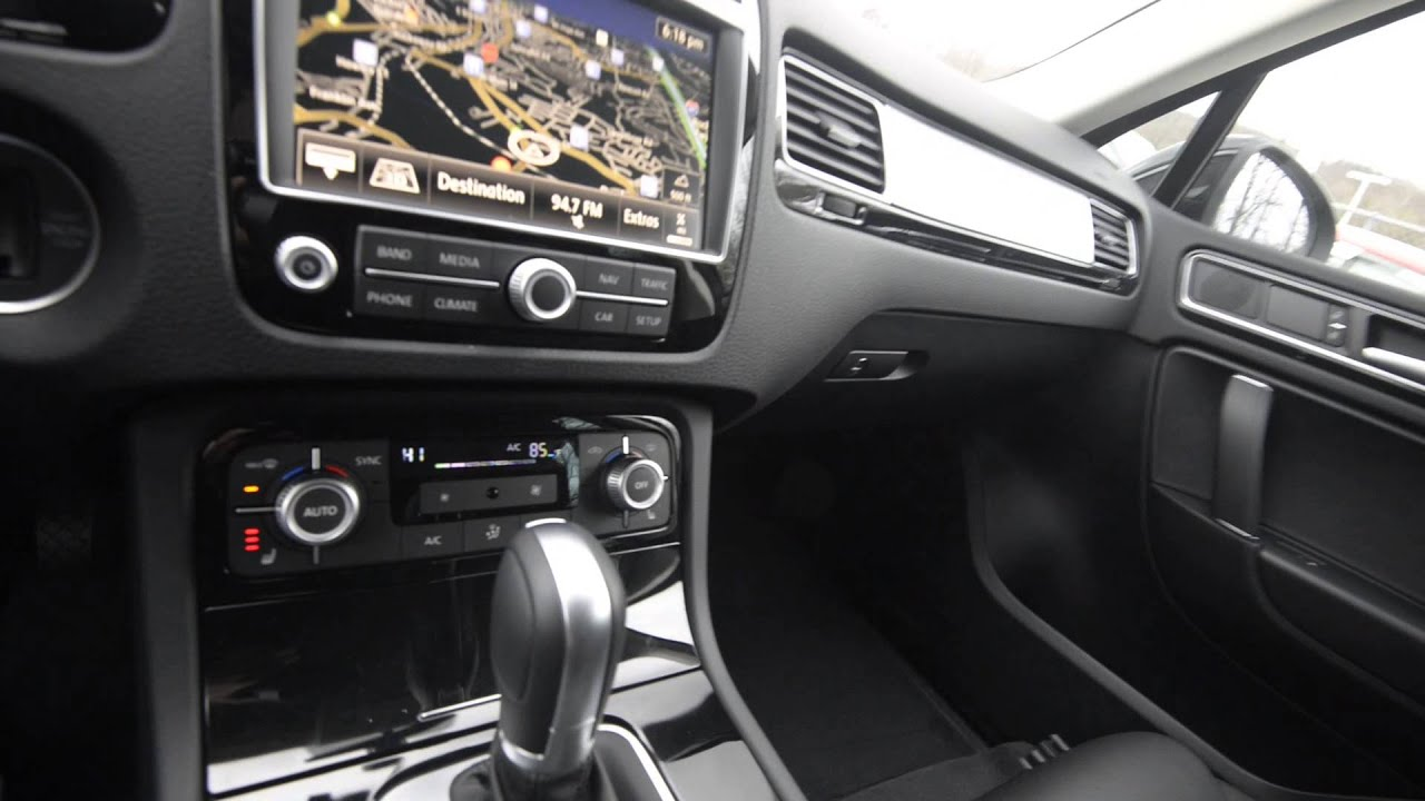 Brand New 2015 Volkswagen Touareg Sport Technology Walk