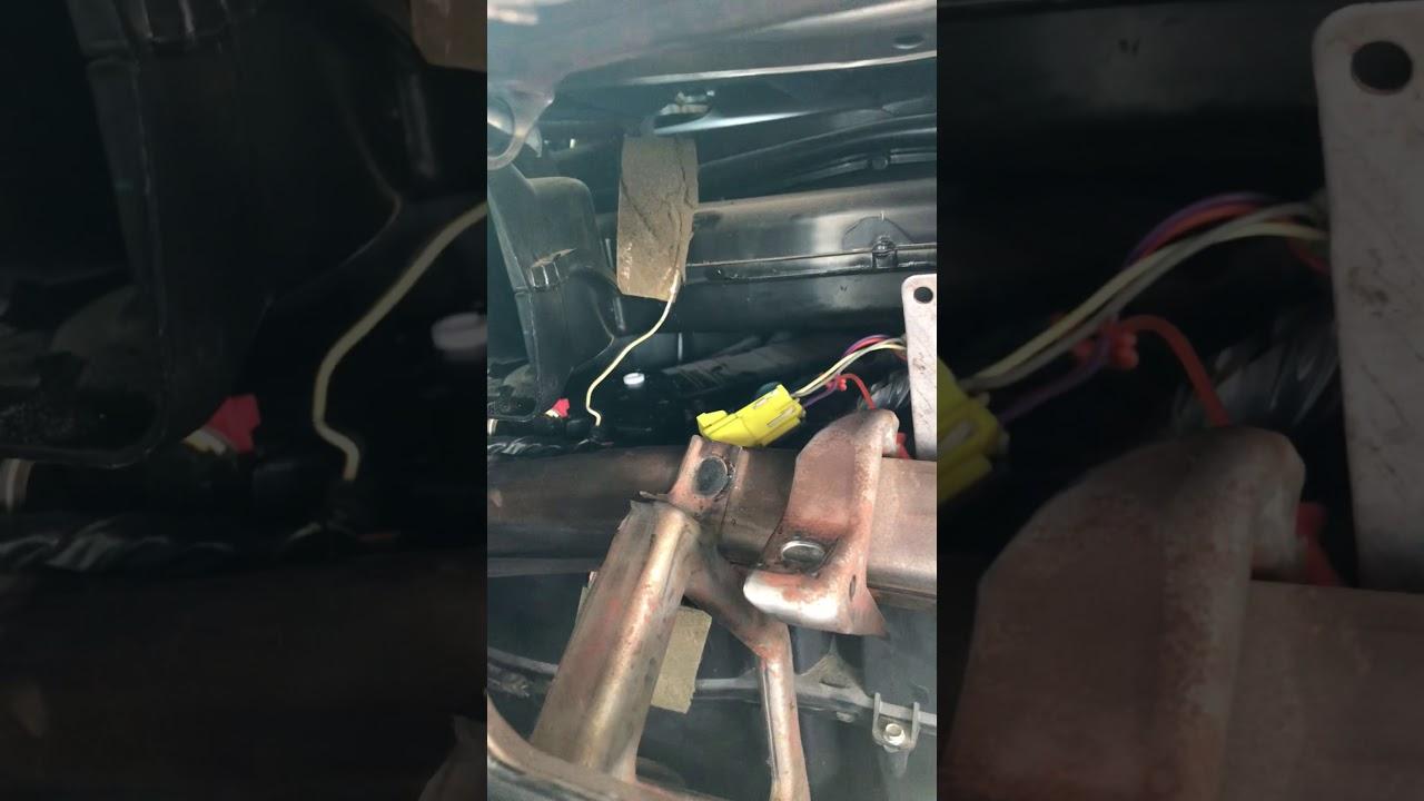 2005 Chevy Silverado passenger door blend actuator replacement pt 1