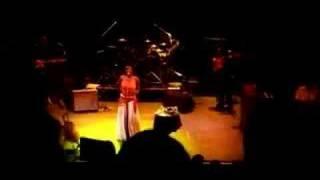 IndiaArie - performing Yellow unreleased song @ Enmore Theatre