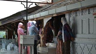 Wisata religi di  Makam Sunan Drajat - Lamongan