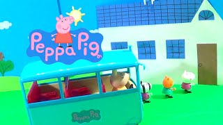 Learn Shapes with Peppa Pig's Classroom!