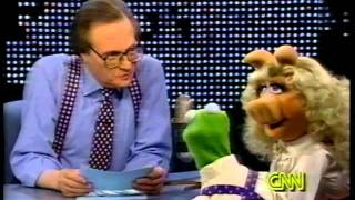 The Muppets on Larry King Live - Kermit and Miss Piggy