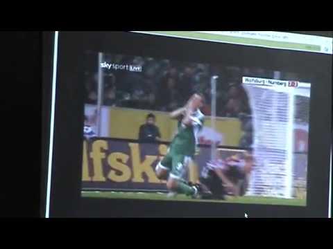 Eugen Striegel Erklart Auslegung Der Fussball Regeln Abseits Foul Absichtliches Handspiel